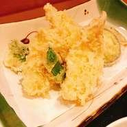 桜島鶏を使用。塩麹に漬け込んであり 肉質も柔らかです。