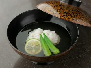 老舗の味に料理人のこだわりが込められた『鱧の椀物』