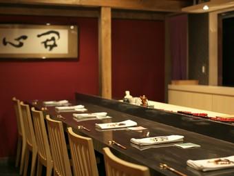 金沢の味をお酒とともに。落ち着いた空間で至福のひとときを