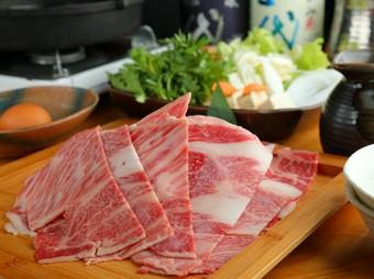 六献名物の直送鮮魚五点盛りと旬の海鮮や佐賀牛・松阪豚をしゃぶしゃぶでご堪能いただける豪華なコース。