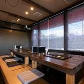 バーやカフェを思わせるお洒落な空間。スタイリッシュに焼肉を