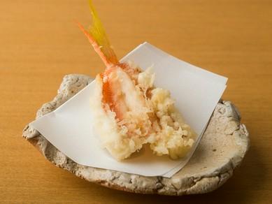 肉厚でとても淡泊なのに甘味をしっかり感じる、神奈川県 佐島産『姫小鯛』
