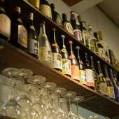 ワインの他に日本酒と泡盛など多様なお酒が充実