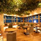 神戸の夜景×肉バル料理をアジアンリゾートな雰囲気で