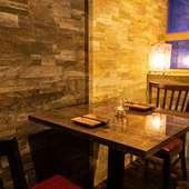 デート向け個室。誰にも邪魔されない空間で弾む会話とお酒
