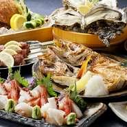 北陸の旬魚介、季節の加賀野菜など、地物食材をたっぷり使ったコースとアラカルトが充実。四季折々の御馳走で、ビジネスパートナーをもてなせます。地元の方に加え、遠来の客を招く場としても格好の一軒です。