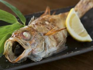 脂がのって身がふっくら。高級魚を堪能『のどぐろの塩焼き』