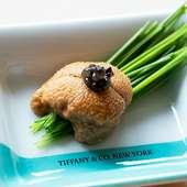 ティファニーの豪華食器を使用した本格江戸前寿司