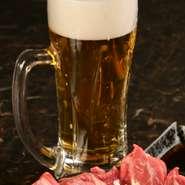 鮮度・品質管理・プロの注ぎを是非実感して下さい! 北海道の代表的な味覚、ジンギスカンには、生ビールが最高に美味しいです!