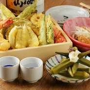 【キツネ 栄】では会社の宴会や接待ではウニ・穴子・肉つけそばなど贅沢料理がついて4500円でご用意しております。詳しくはコースページをご確認くださいませ。