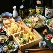 【天ぷら酒場 KITSUNE】の名物がリーズナブルな料金で存分に堪能できるコース料理は嬉しい飲み放題付き。日曜日から木曜日限定のお得なコースもあり、2名から予約が可能です。