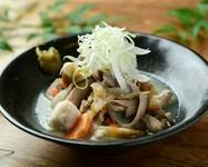 具沢山のお野菜と一緒に煮込んだもつ煮、さっぱりだけど旨いがとまりません!