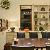 シンプルでおしゃれな空間。季節感を演出する雑貨にも注目
