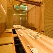 寿司店ながら広々とした空間で、宴会にも対応可能