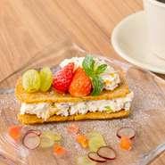 季節のフルーツチーズケーキ
