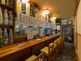 ゆっくり食事とお酒を楽しめる、日本酒好き・魚好きも納得の店