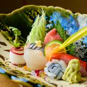 全国のとびきりの旬魚介を満喫『お造りの盛り合わせ』