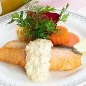 「孤独のグルメ」にも登場。絶品タルタルソースでいただく脂の乗った『生鮭のバター焼き』