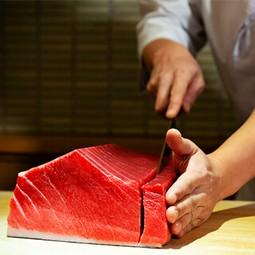 新鮮な毛蟹をお一人様1杯、贅沢に使用した蟹割烹コースとなっております。