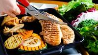 カリッと焼き上げ、肉厚なお肉の旨みが口の中で広がる『サムギョプサル』