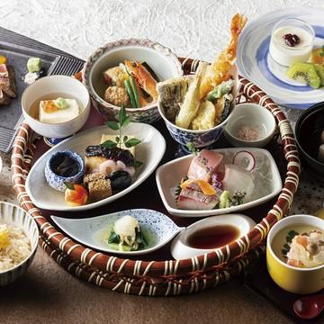 ランプ肉がメインの炭火焼フレンチディナーコース