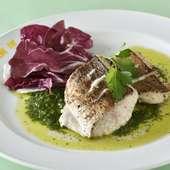 吟味された新鮮な旬魚を使った『本日のお魚料理』