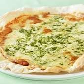 家族や恋人とシェアして食べられる、焼きたてアツアツの『マルゲリータピッツア』