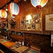料理から店内の雰囲気まで、沖縄テイストたっぷりの創作居酒屋です。いたるところに散りばめられた沖縄感が非日常的なリゾート感を演出。ひと味違ったデートにしてくれます。