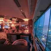 ロマンチックな一夜を満喫できる、地上14階からの見事な夜景