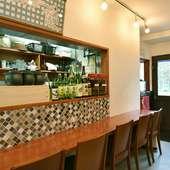 堅苦しくなく入りやすい、カフェのような空間づくりを目指して