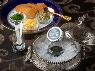 生キャビアを使う最高の料理に合う、最上のワインをラインナップ