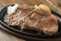 自家製ステーキソースがベストマッチ。たくさん食べても重くならない『リブロースステーキ』