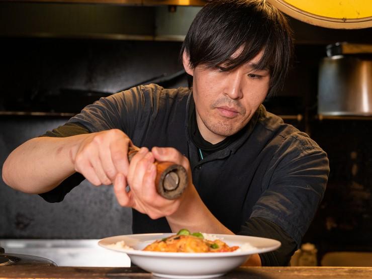 厨房からゲストの好みやニーズを捉え味付けを変える心配りを