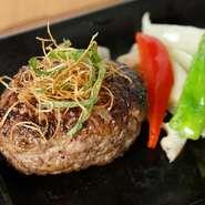 安心・安全かつリーズナブルに、美味しいお肉を提供。大切な家族の食事を見守ってくれる【肉処 和匠】。親子での久々のランチタイムにも心強いお店。お肉の販売もあり、今晩の食卓にも頼れる存在です。