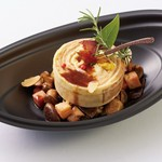 フランス料理で使われる食材であるフォアグラ、鶉、リードヴォーを、シェフの感性がプラスされたコース