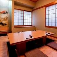 プライベート感を保った個室を用意。気の合う仲間との食事はもちろん、接待や会食にも最適な空間です。完全個室なので、オフレコの話も可能。料理・食材の相談もできるため、ビジネスシーンでも頼りになる一軒です。