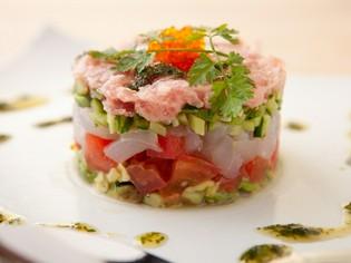 海と大地の旬を堪能する『魚介と野菜のガレット』