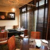 個室も完備。記念日に相応しい料理とラグジュアリー空間