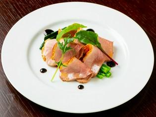奈良県産の食材のおいしさを表現する、各種の創作料理