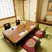 温もりのある居心地の良い空間で割烹料理、会席料理を味わう