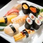 豊かな旨みと風味にあふれた新鮮魚介を使った『特上寿司』は店自慢の一品
