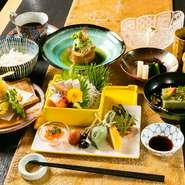 瀬戸内海の魚介や地元の野菜など、岡山産の旬食材を使った昼の膳。リーズナブルでありながら、前菜の種類も多く、手間暇かけた逸品。ご予約の方はコーヒーサービス。 ※和個室、半個室は5000円からになります
