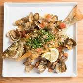 目で見て選んで食べられる、約8割の人が注文するほど大好評の『近海魚のバター焼き~アクアパッツァ~』