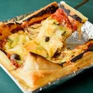 新しい美味しさ! サクサク食感&程好い甘みの『パイ生地ピザ』