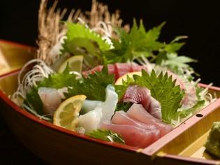 串本漁場を知り尽くした料理人による『本日のおすすめ盛り合せ』