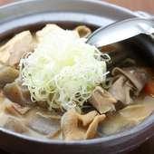 和酒との相性が良く、箸休めにも最適な『もつ煮』