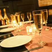 濃厚チーズを贅沢に使ったメニューが充実。おいしい料理はパーティをさらに盛り上げてくれるはずです。最大3時間飲み放題付きのお得な宴会コースは2980円~各種ご用意。趣の異なる各個室は2名様~団体様まで◎。
