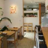 清潔感があり、明るく開放的。カフェのようなオシャレ空間