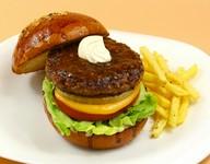 モリズバーガー×とろーりMIXチーズでチーズのコクが加わり美味しさ更にアップ!