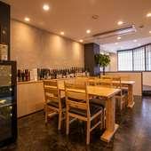 三重が誇る旨い地酒に加え、旬の幸に合う日本各地の銘酒が揃う